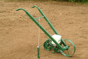 Cole Planet Junior Push Seeder